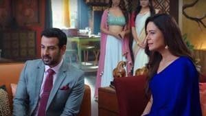 Ronit Roy and Mona Singh in a still from Kehne Ko Humsafar Hain season 3 trailer.