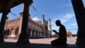 People are avoiding congregating in large numbers, and instead, are urging everyone to offer Eid prayers from home.(PHOTO: Ajay Aggarwal/HT)