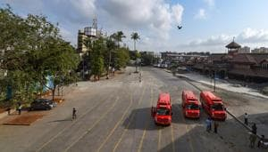 A view of the roads outside Bandra Station on Eid-al-Fitr, where people from Muslim community had been gathering in large numbers to offer prayers on this occasion every year, amid ongoing COVID-19 lockdown in Mumbai, Monday, May 25, 2020.(PTI)
