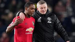 Manchester United manager Ole Gunnar Solskjaer celebrates with Odion Ighalo.(REUTERS)
