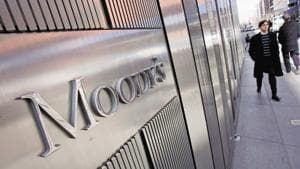 SBI and HDFC Bank are among 11 Indian banks covered under Moody's latest rating action.(Bloomberg)