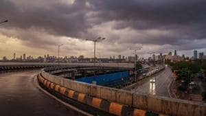 When a cyclone passes, it leaves a lot of moisture over land - relative humidity levels at 8.30am stood at 92% in Colaba and 87% in Santacruz.(PTI)