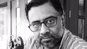 Kamaleshwar Mukherjee joined hands with groups like the West Bengal Doctors' Forum and the Shramajibi Swasthyo Udyog to help the affected people.(Kamaleswar Mukherjee/Twitter)