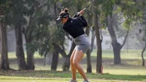 Ridhima Dilawari in action at womens pro golf tournament held at Poona Club Golf Course in Pune.(Sanket Wankhade/HT PHOTO)