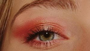 All personalisation is now dependant on eye makeup as they serve as windows to the soul even more so than usual.(Unsplash)