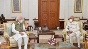 PM Modi, President Kovind at Rashtrapati Bhavan.(Twitter/@rashtrapatibhvn)
