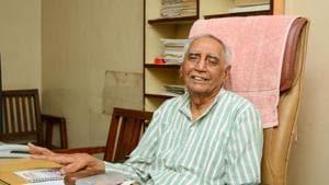 Social worker Baba Adhav(Milind Saurkar/HT Photo)