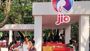 The sides are in advanced talks and may lead to Google buying a 6% stake in Jio Platforms.(Abhijit Bhatlekar/ Mint File Photo)
