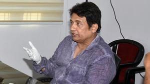 Actor Shekhar Suman meets RJD leader Tejashwi Yadav at his residence, in Patna.(ANI)