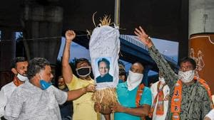 BJP supporters hold an effigy of Rajasthan chief minister Ashok Gehlot during a protest against the state government in Jodhpur Friday, July 17, 2020.(PTI)