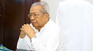 Andhra Pradesh Governor Biswabhusan Harichandan on Wednesday directed that the state government to reinstate retired IAS officer Nimmagadda Ramesh Kumar as the state election commissioner (SEC).(https://twitter.com/BiswabhusanHC)