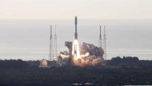 A United Launch Alliance Atlas V rocket carrying NASA's Mars 2020 Perseverance Rover vehicle takes off from Cape Canaveral Space Force Station in Cape Canaveral, Florida, U.S. July 30, 2020.(REUTERS)
