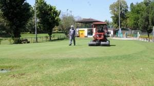 The Chandigarh Golf Club staff maintaining the greens and fairways of the course in Chandigarh.(Keshav Singh/HT)