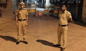 Many Delhi Police personnel could not meet their families on Raksha Bandhan this year because they had to fill in for their colleagues, who have been fighting Covid-19.(Photo: Vipin Kumar/HT (For Representational Purposes Only))