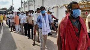 There was a long queue outside the Ram Janmabhoomi site on Thursday.(HT Photo)