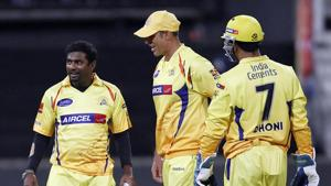 Dhoni would clap for bowler when a good ball was hit for six: Muralitharan