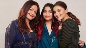 Pooja Bhatt poses with half-sisters Shaheen and Alia Bhatt.