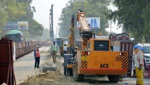 Civil construction work for the project is on in full swing over a 50km stretch between Sahibabad in Ghaziabad and Shatabdipuram in Meerut.(Sakib Ali/H Archive)