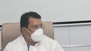Maharashtra minister for relief and rehabilitation Vijay Wadettiwar .(HT PHOTO)