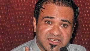 Dr Kafeel Khan at a press conference in Lucknow in 2018.(PTI file)