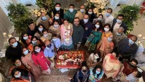 Coronavirus: How to attend a wedding (or not) during a pandemic