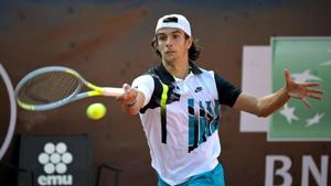 Tennis - ATP Masters 1000 - Italian Open - Foro Italico, Rome, Italy - September 14, 2020 Italy's Lorenzo Musetti in action during his first round match against Italy's Giulio Zeppieri Pool via REUTERS/Riccardo Antimiani/Files(REUTERS)