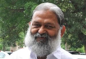 Home minister Anil Vij said the ADGP was entrusted with the task of implementing universal helpline number, Dial 112, an emergency response support system for informing the police, fire brigade and ambulance services but the project was at a standstill.(HT Photo)