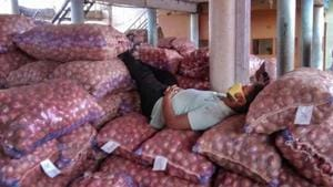 India allows export of onions lying in transit to all countries including Bangladesh