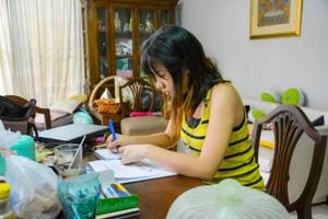 College students are usually averse to tidying up their desk, room.(PHOTO: Shutterstock (For representation purpose only))