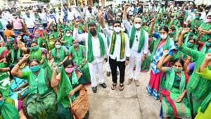 The protesting farmers, women and youth from the capital region, under the banner of Amaravati Parirakshana Samithi (Amaravati protection committee) took out rallies and staged demonstrations in several villages in the capital region, demanding that Amaravati be retained as the only capital of the state. (HT Photo)