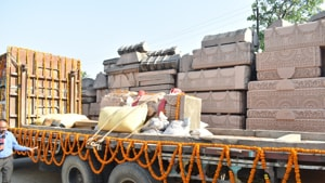 Carved stones for the Ram temple at Ayodhya being shifted from Sri Ram Janmabhoomi Nyas Karyashala to the Ram Janmabhoomisite by a truck.(Ravinder SinghHT PHOTO)