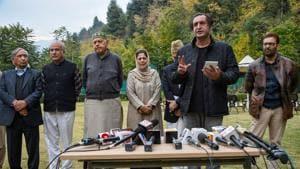 MP and President of National Conference (NC) Farooq Abdullah and PDP chief and former Chief Minister Mehbooba Mufti and other leaders look on as People's Alliance for Gupkar Declaration spokesperson Sajjad Lone speaks to the media after a meeting of the Alliance, in Srinagar, Saturday.(PTI)