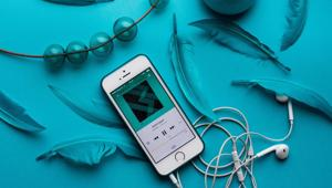 About half of people get chills when listening to music.(Unplash)