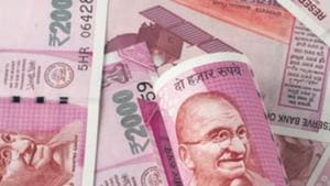 In October, overseas investors were net buyers with Rs 22033 crore investment in Indian markets(Getty Images/iStockphoto)