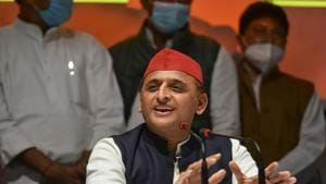 Samajwadi Party President Akhilesh Yadav addresses a press conference, at party office in Lucknow.(PTI)