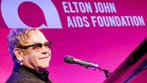 Elton John calls for wider HIV testing to end new cases in England by 2030(Twitter/rinasawayamabr)