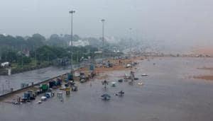 A deserted Marina beach before cyclone Nivar's landfall, in Chennai on November 25.(Reuters)