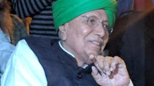 INLD party Chief OP Chautala at a worker address meeting in Ambala on Monday.(HT Archive)