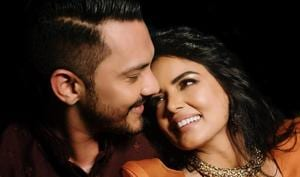 Aditya Narayan and Shweta Agarwal were in a relationship for 10 years before they got married.