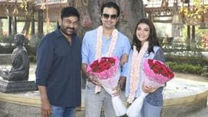 Chiranjeevi and Acharya's team welcomed Kajal Aggarwal with a small cake cutting ceremony.