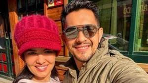 Aditya Narayan and Shweta Agarwal pose for a selfie in Srinagar.