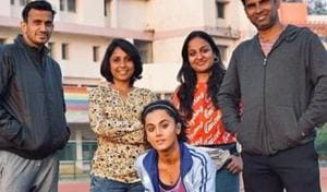 Taapsee Pannu poses with her 'frontline soldiers' from Rashami Rocket.