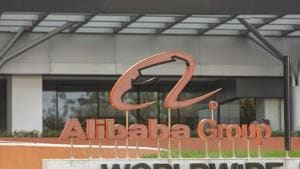 Spooked investors dumped shares of Alibaba's subsidiaries and affiliates, as well as other internet firms that risk being targeted by Chinese anti-trust regulators.(Bloomberg)