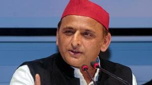 Samajwadi Party President Akhilesh Yadav addresses a press conference at party office in Lucknow.(PTI)