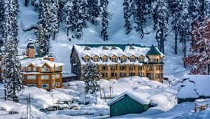 With regular operations of international flights suspended due to the coronavirus pandemic, travellers from across the country have set their sights on the Kashmir valley.(Pixabay)