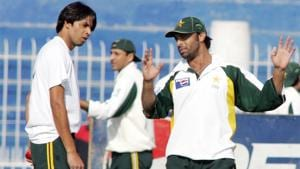 Shoaib Akhtar and Mohammad Asif in 2006(Getty Images)