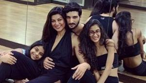 Sushmita Sen poses with her daughters and Rohman Shawl.