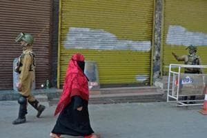 Kashmir unrest: Normal life remains disrupted in valley