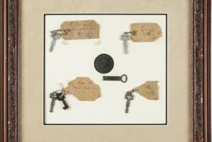 Thomas Edison's door key to laboratory, 5 lightbulbs to go under the...