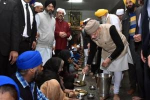 Narendra Modi becomes first PM to serve 'langar' at Golden Temple